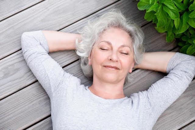 Около две трети от жените развиват неудобни чувства преди, по време или след менопаузата