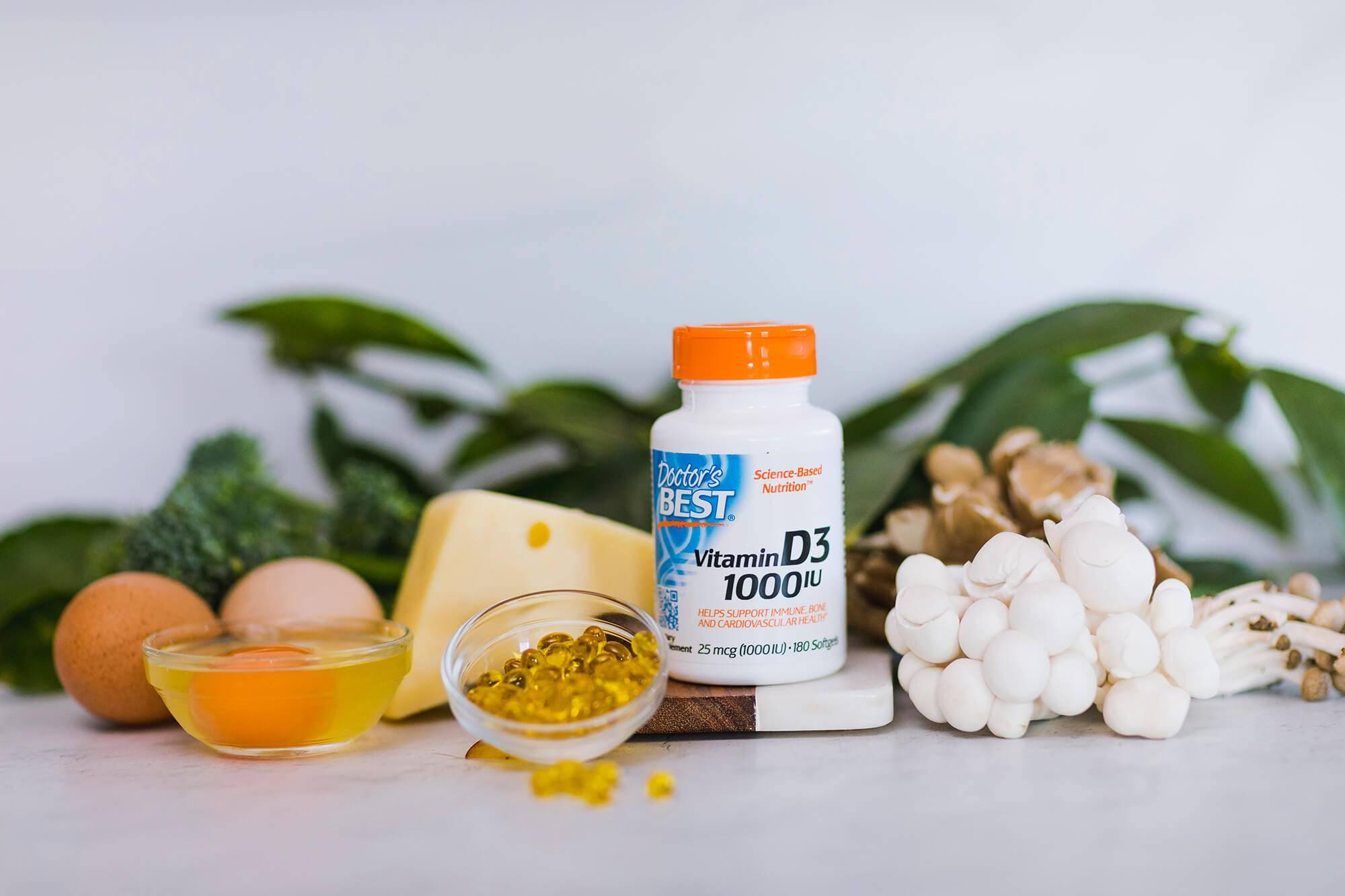 Витамин D3 1000 IU 180 гел-капсули от Doctor's Best на идеална цена подпомага здравето и структурата на костите и зъбите и се бори с раковите заболявания.